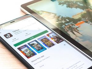 Tiktok installing in Google Play