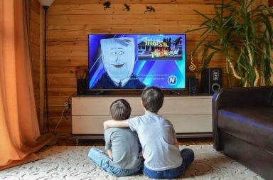 children watching Insignia Fire Tv