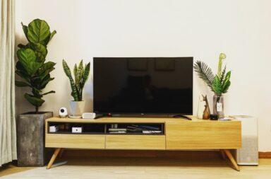 TV blinking Red